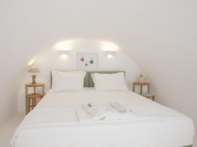 Photo for Sun Anemos Resort,''Thalassa'' a cute maisonette in front of the beach of Oia
