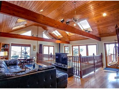 Spa-quality amenities, dog friendly, close to trails, IN Dunes Nat'l Park