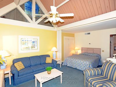 Photo for Studio in Palmetto Dunes Oceanfront Resort - Walk to beach + Pool