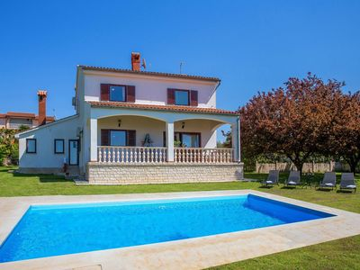 House Sabatti is a large and spacious holiday home with space for up to 8 person