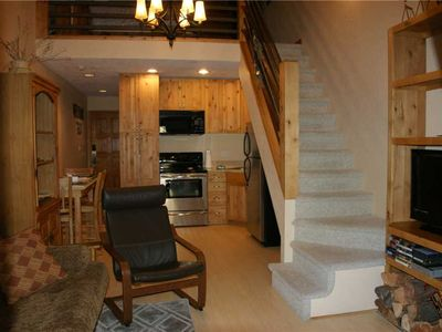 Photo for Amazing 1 bd Loft with sleeper sofa, full kitchen and wood burning fireplace.