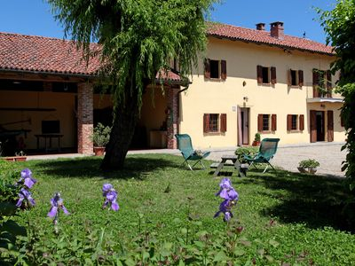 Photo for immersed in nature in the heart of the Monferrato area, special for food and wine tours