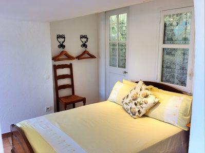 Double bedroom with access to the roof terrace