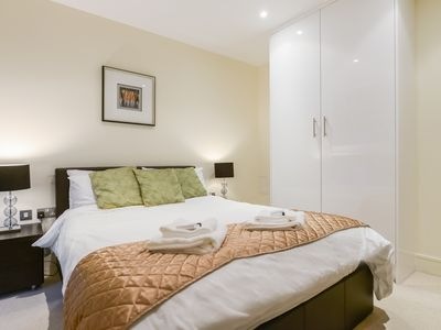Photo for Cobalt point Canary wharf Apartment