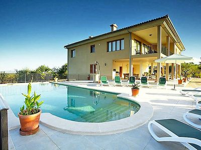 Photo for 5 bedroom Villa, sleeps 10 in Moscari with Pool, Air Con and WiFi