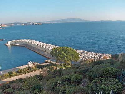 Photo for Apartment Athéna Port in Bandol - 4 persons, 2 bedrooms