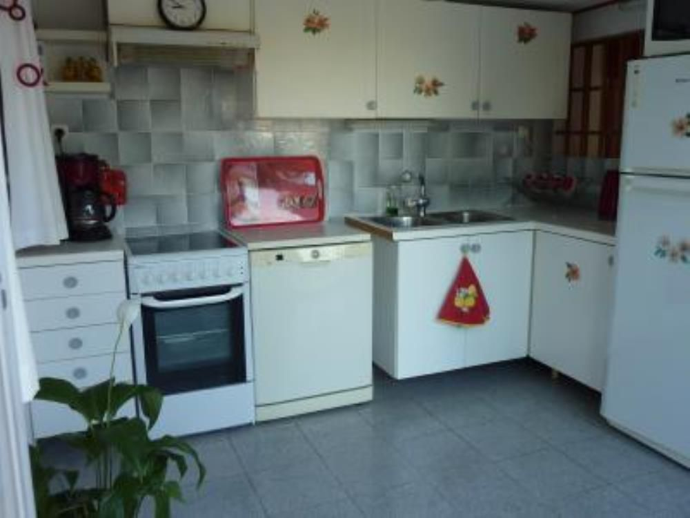 Swimming Pool Air Conditioning : Apartment with swimming pool air conditioning carry le