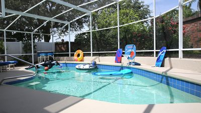 Photo for Disney area, Shops & Dining. Contemporary, sleeps 6, private pool