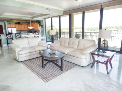 Beautiful Deluxe Unit with 900 Sq Ft of Balcony and an Ocean Front View