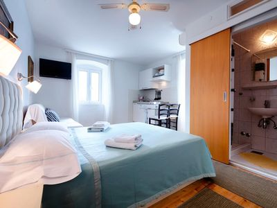 Photo for Studio flat with air-conditioning Komiža (Vis)
