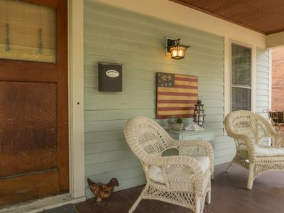 Photo for Charming Bungalow - 1000 ft. from Broadway