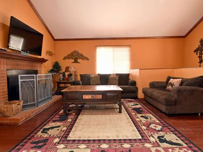Temple Retreat: Across from Lake! Spa! Pool Table! Master Suites! Internet! Cable TV! Covered Deck!