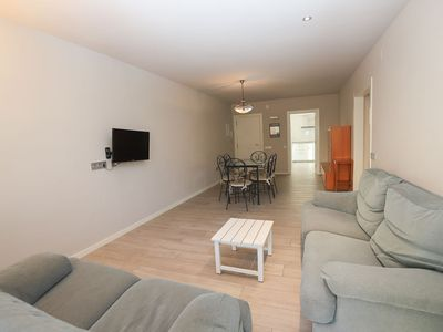 Photo for Apartment with 4 bedrooms and 2 bathrooms with capacity for 8 people 200m from the beach