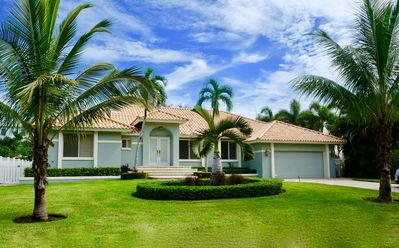 Photo for Olde Naples Luxury 4BR Home - Truly Close to Beach & 5th Ave