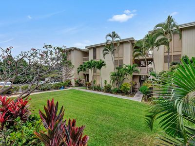Photo for Relaxed Vibe! Wood Floors, Ceiling Fans, Kitchen, Lanai, WiFi, AC–Kona Bali Kai 152