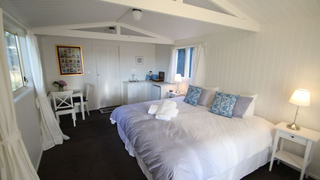 Braeside Studio - Country Garden Accomodation