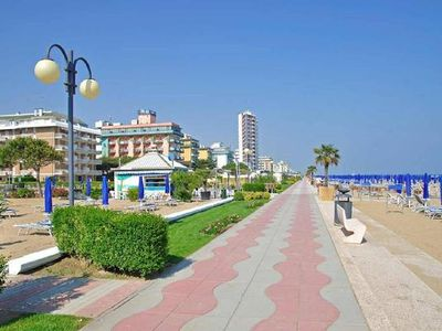 Photo for Holiday apartment Jesolo for 4 - 6 persons with 2 bedrooms - Holiday house