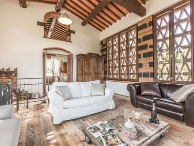 Photo for One bedroom Villa, sleeps 6 in San Giovanni Valdarno with Pool, Air Con and WiFi