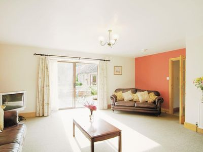 Photo for 4 bedroom property in Cayton.
