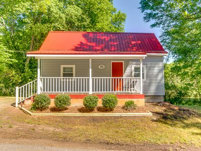 Swamp Rabbit Red Roof- Walk to Downtown Greenville