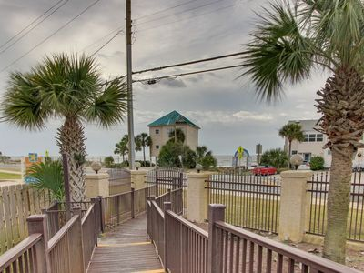 Photo for 2 Bedroom ,1 1/2 Bath / Just blocks from the beach! / Sleeps 6 / Townhouse