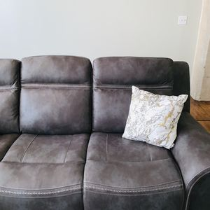 Photo for Spacious & Cozy Industrial Apt Downtown w/King Bed