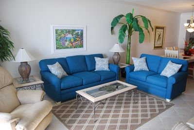 Living Room: Sofa & Love Seat (sofa w/ pull-out queen mattress)