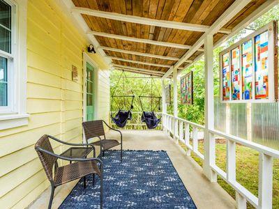 Great sitting porch