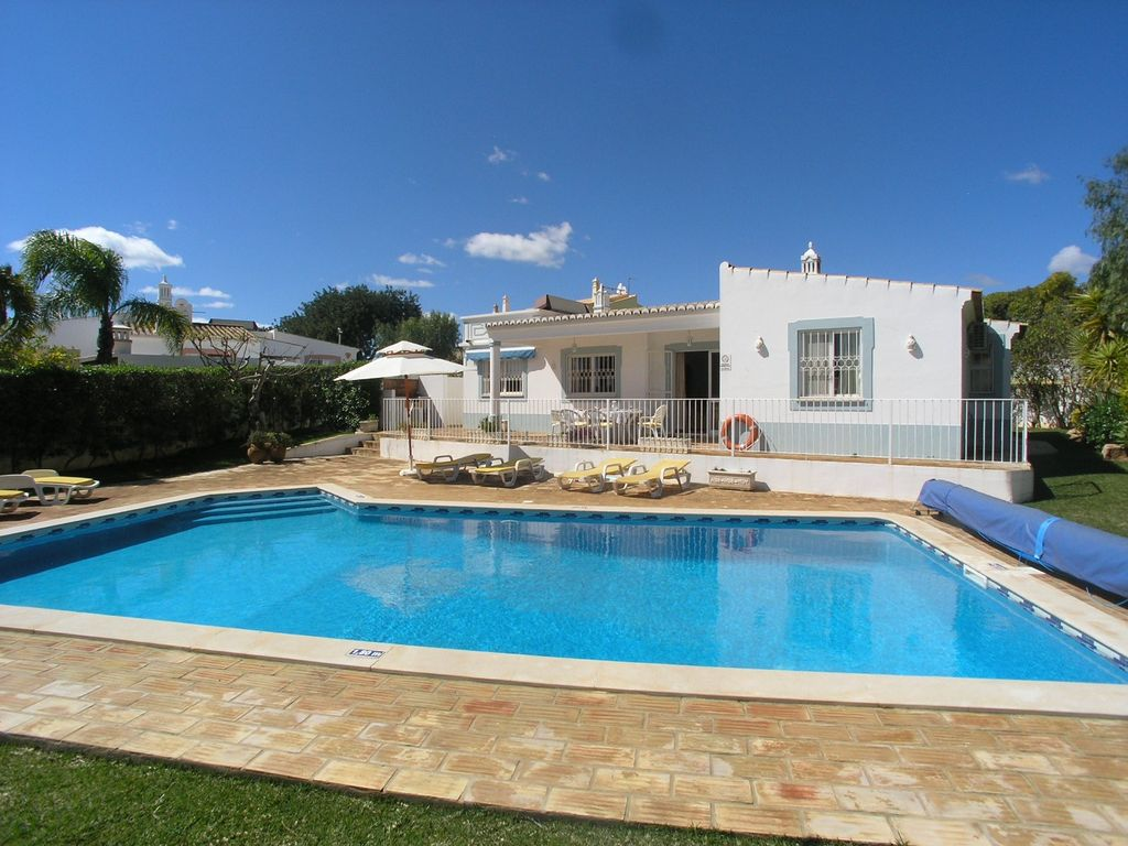 Guia villa rental - Large pool ( can be heated )