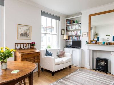 Photo for Delightful 1 bed flat in Pimlico - One Bedroom Apartment, Sleeps 2