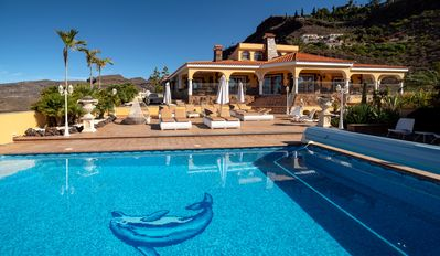 Photo for VILLA-VISTA-MAR with guest house