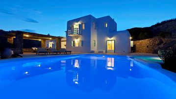 Rocky Mansion - Mykonos Private Luxurious Retreat Villa