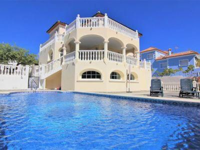 Photo for Wonderful and extraordinary villa with a large private pool area