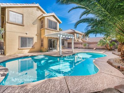 Photo for SUMMERLIN BEAUTY-Pool, Near Pkwy, Red Rock Hotel & Shopping.*Fm: $159 p/t*