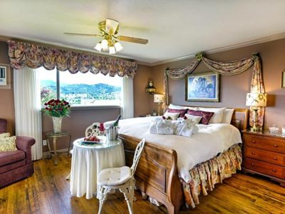 "Photo for A Vista Villa - ""Boutique Inn"" Style Luxury B&B"