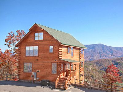 Photo for Bella Vista: 3 BR / 3 BA cabin in Pigeon Forge, Sleeps 14