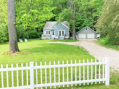 Photo for Charming  3/2 Bungalow with W Bay views/access. Fall color 3 day or weeks open