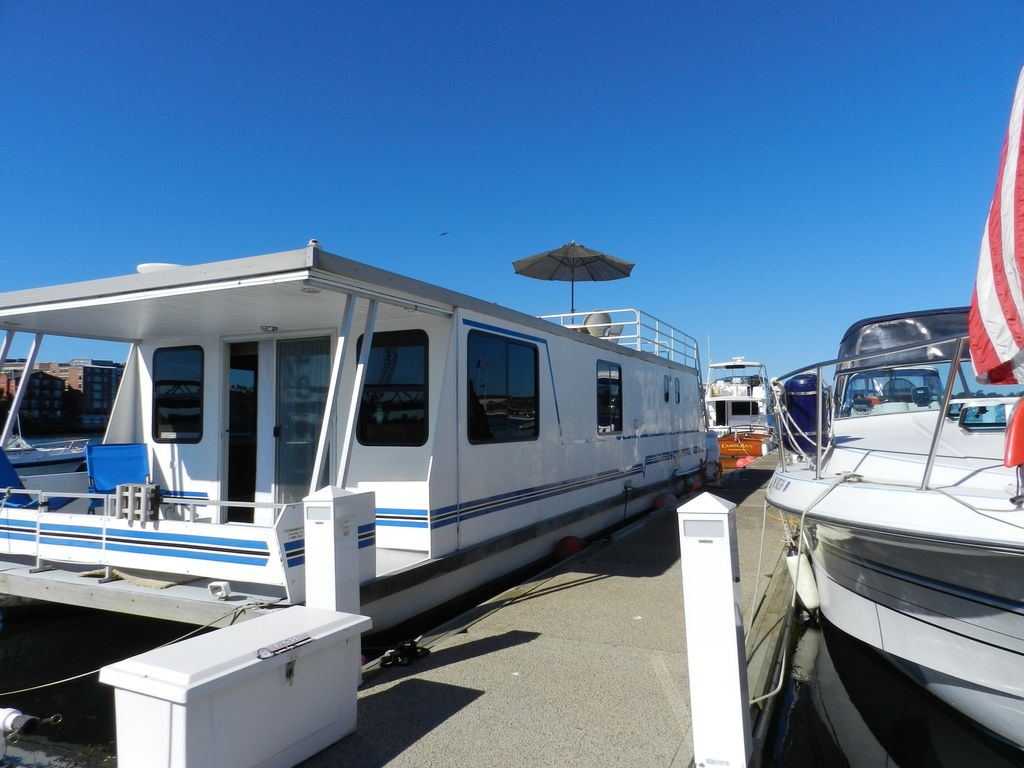 Houseboat Located In The Beautiful Kittery/ Portsmouth Harbor - Kittery