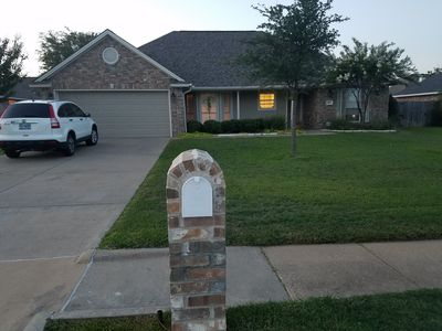 Photo for Backyard Pool, Close to Texas A&M, Easy access to Hwy 6, Huge Park 4 houses down