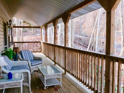 4 BR With Movie Room, hot tub & Great Smoky Mountain Views!