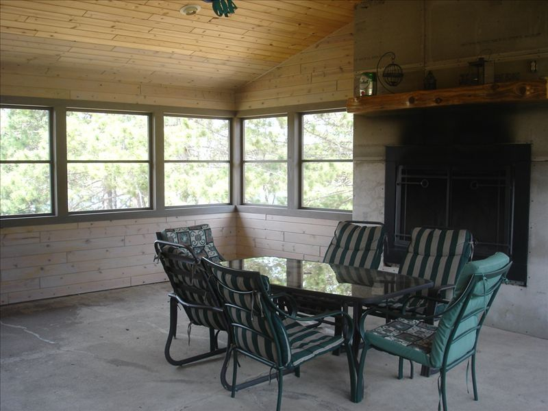 Near Chippewa Flowage Northwoods Retreat on Private Lake! Hayward