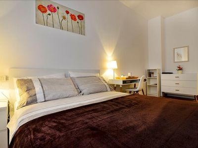 Photo for Elegant flat a few steps from 7 subway stops