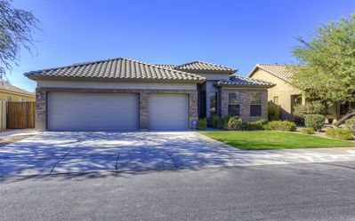 Photo for Fantastic Executive 5 Bedroom home on Golf Course
