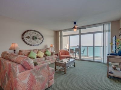 Photo for Splendid oceanfront retreat in a family friendly resort, great location