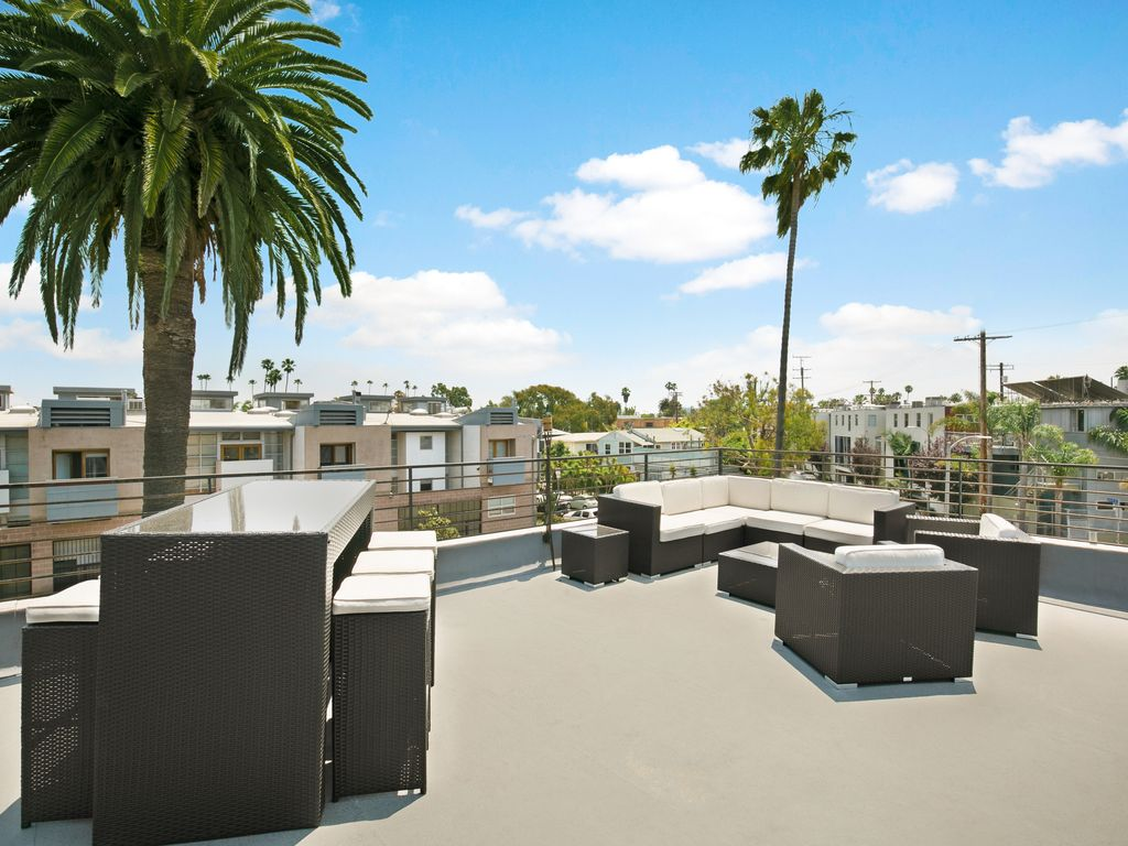 Venice Beach Villa With Rooftop Deck Perfect For Large Groups And Entertaining