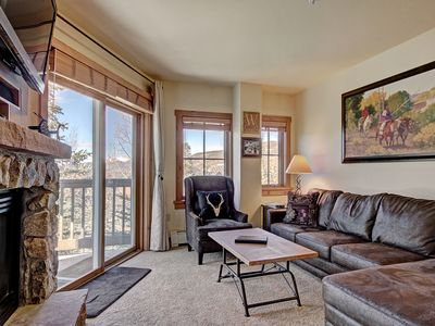 Photo for Lovely 3 Bedroom Condo, Walk to the Slopes with a Pool and Hot Tub On Site!