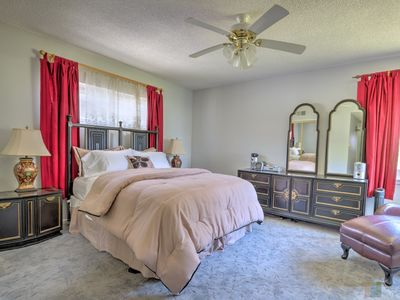 Photo for 3b/2.5bth-Large Home  - Close to Venice!