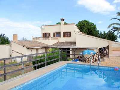 Photo for 4 bedroom Villa, sleeps 8 in Can Picafort with Pool and WiFi
