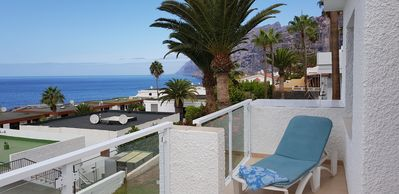 Photo for Modern 1 bed in popular Los Gigantes with large terrace with sea & cliff views