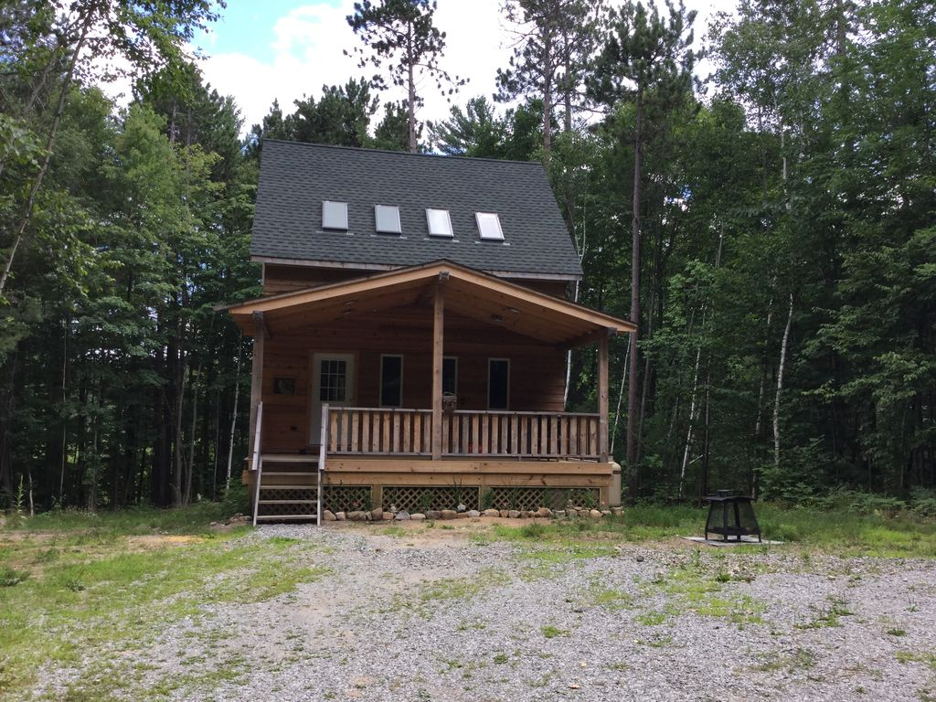 Wolfsong cottage near whiteface mountain vrbo for Wilmington ny cabin rentals